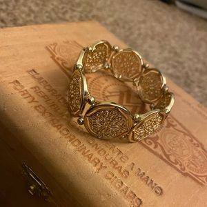 none Jewelry - ☀️Gold Detailed Bracelet